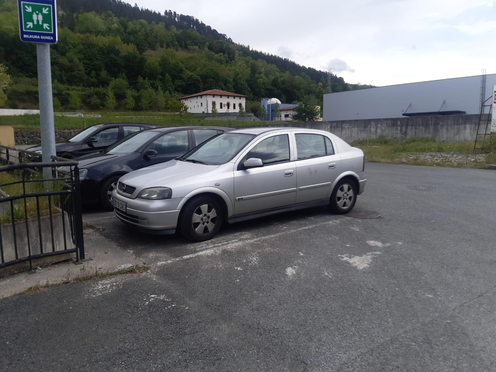 Opel Astra salgai irudia - iragarkilaburrak.eus